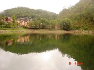 Gorgeous Lake & Mountain facing place in Nainital