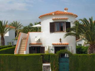 Villa Casa Henrique and Pool, Close to Sandy Beach, Denia