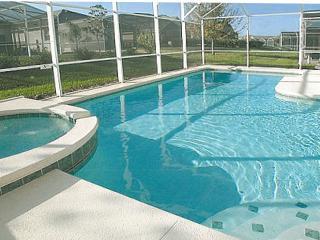 Bright & Sunny south facing Swimming Pool & Spa