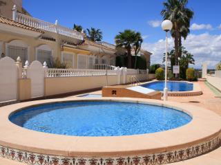 Communal pool, childrens pool and gardens at the complex. Quiet, friendly and  welcoming