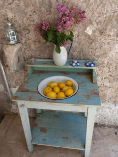 A genuine vintage shabby chic detail in the patio