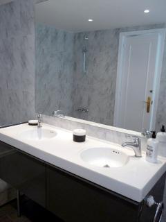 Marja Liisa  -  bathroom