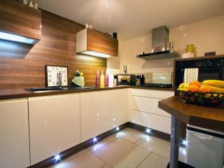 Fully equipped kitchen, microwave; oven; gas hob; dishwasher; fridge/freezer - seperate laundry room