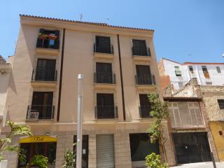 Apart. casco historico Tarragona HUTT-6774