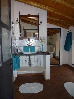 San Gerardo Bathroom