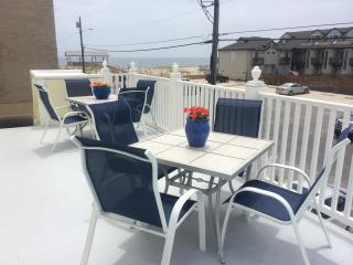 2nd floor deck--common area