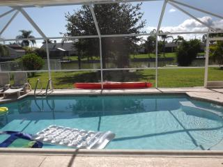Waterfront Heated Pool Propert, Cape Coral