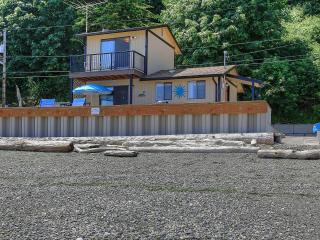 A waterfront home away from home on Camano Island!