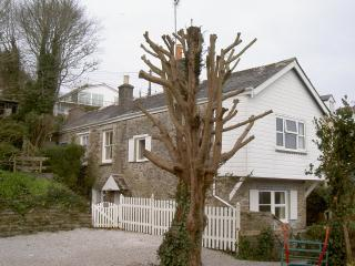 Side view of Rosebank Cottage