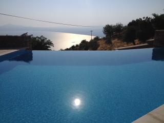 Aeropi villa 1: sky near beach