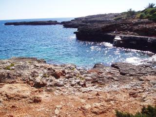 2 bathrooms, 2 bedrooms, ideally situated apt, Cala d'Or