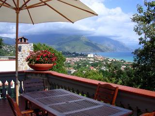 Southern than Amalfi Coast and Positano Villa. Large swimming pool & parking