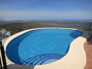 Casa Colina - Beautiful villa with stunning views, Denia