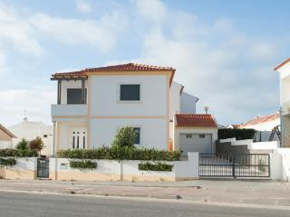Baleal Beach Holiday Villa - The Sun Terrace House