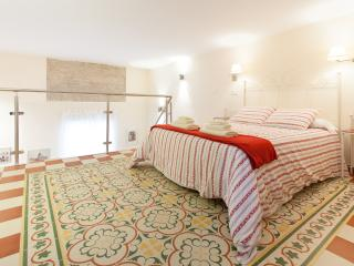 Charming Duplex in the City center, Sevilla