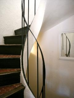 Spiral staircase throughout house