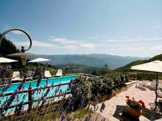 Edera, stunning vistas, walk to restaurants WIFI