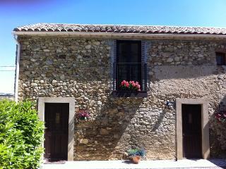 Maison sur la Colline : charming converted barn, Limoux