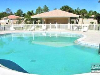 Bright and airy in beautiful gated community - lake views and Florida sunshine!, Naples