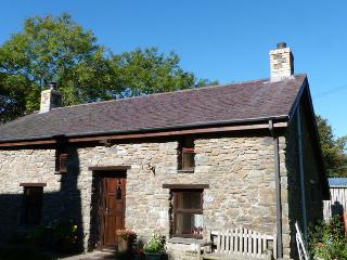Ty Clyd -  pet-friendly,  West Wales 82907