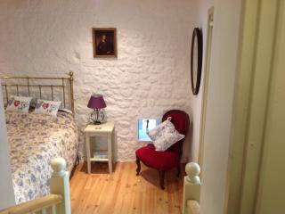 Family room,two bedrooms double bed ,two single beds,large en-suite,tv and wi fi