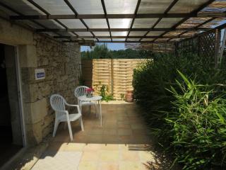 Terrasse privative pour petit déjeuner au soleil