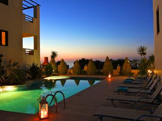 Beautiful Villa with Sea View, Heated Pool, BBQ,, Prinos