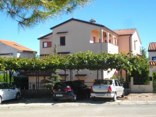 Apartments Neda - Porec South (Near Htl Diamant)
