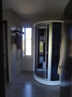 baño suite con ducha/sauna