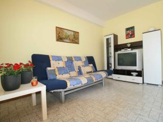 Sweet small apartment in Medulin