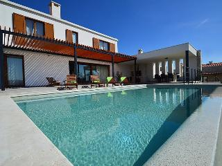 Villa Grigia, Pazin
