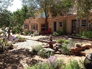 Santa Fe Charming Adobe Casita on Turquoise Trail