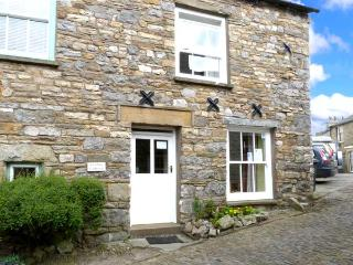 COBBLE COTTAGE, traditional and stone-built, central location, in Dent, Ref 1280