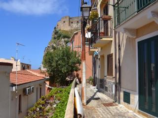 Casa amore Marina, Scilla