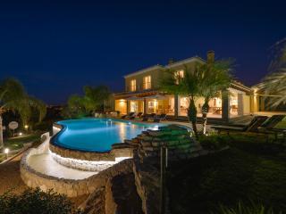 Luxury Villa Alvor Gardens, Penina