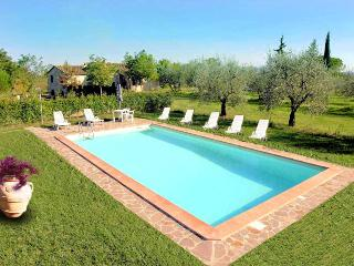Tuscan Villa Nr. San Gimignano  large private gardens and private pool