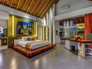 Villa Banyu Master Bedrom