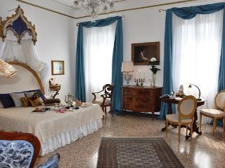 15th Century Palace Luxury Apartment, City of Venice