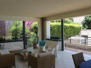 Elegante appartamento Taormina, piscina, parcheggio, centro
