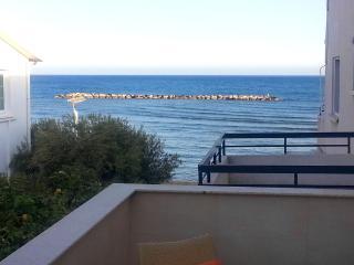 1 Bdrm Beach Apt Side Sea View Oroklini - Larnaca