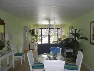 Pointe Santo B23 Sanibel Sun Seekers! Remodeled!