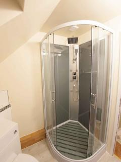 The 'massage' shower in the en-suite