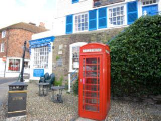 The Mermaid Street Cafe (& phone box!) at the bottom of The Mint
