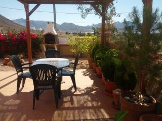 Beautiful Seaview Villa, Wi-Fi, Air Con, Garden