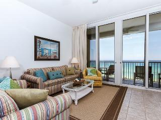 WE 614: Top floor & DIRECTLY on the Gulf-WiFi, balcony, pool, beach service, Fort Walton Beach
