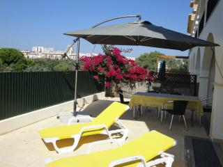 Luxury townhouse,private big terrace,close beach, Albufeira