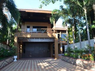 Luxury 3 bed pool villa on Pratumnak Hill, Pattaya