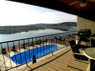 Condo right by the Briarcliff Marina with Ubalieveable View of the Lake