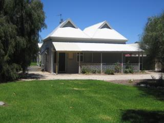 Showgrounds Cottage, Naracoorte