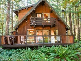 #27 -2-Story Cedar Cabin -Great for Large Families, Glacier